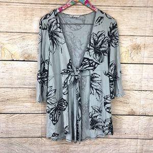 CAbi tie front tunic size M